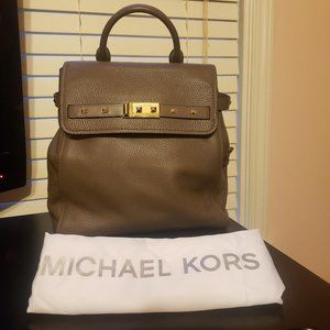 Michael Kors Addison Backpack - Medium - Mushroom